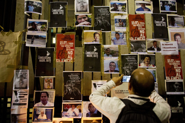 Photos of slain Mexican journalists placed around the Interior Minister's Office