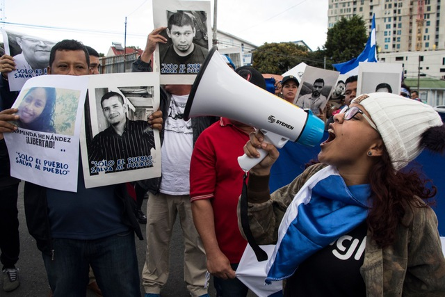 Nicaraguans protest the arrest of journalists Miguel Mora and Lucia Pineda in Nicaragua, during a demonstration outside the Nicaraguan embassy in San Jose, Costa Rica, 22 December 2018