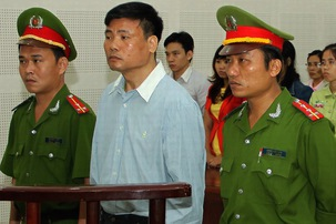 Vietnamese blogger Truong Duy Nhat turns up in Hanoi jail after going missing in Bangkok